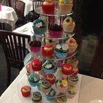 richter, haring, Fontana and riley cupcakes.... artylicious!