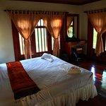 chambre, spacieuse et confortable