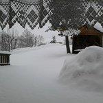 vista da soggiorno hotel dopo nevicata