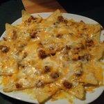 Nachos DF con chile con carne y queso fundido