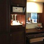Minibar & Dresser