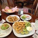 calamares fritos y guacamole