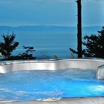 Ocean front hot tub