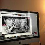 Em vez de televisão, um Mac em cada quarto