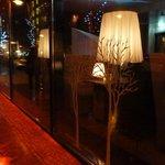 Fachada à noite na tranquila Weinmeisterstrasse