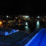Vista de noche cercano a la pileta