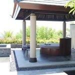 R &R Area, Pool + Jacuzzi