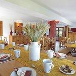 Park&Suites Village Evian Lugrin - Breakfast