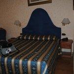 camera da letto (solo metà della camera)
