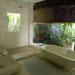 Gorgeous bathroom with exclusive SABA soups