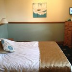 Clean & comfy room 3