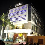 Hotel The Raf-les