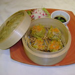 kanom jeab (steamed wan ton)