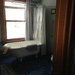 Dartford Guest Room Clawfoot Tub