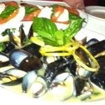 Mussels in white wine, Capriese salad