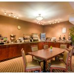 Breakfast Room: Complimentary Hot Brekfast Buffet