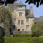 Maison d'Ernest Renan. Ph. Berthé. Centre des monuments nationaux
