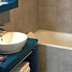 Park&Suites Elegance Lyon Cite Internationale - Bathroom