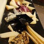 vanni - formaggi misti con pere e miele d'acacia