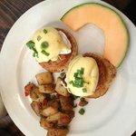 Cafe Pescatore - Delicious Crab Cakes ($16..pricey!)