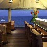 Puri Santrian Beach Club Bar & Restaurant Photo