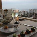 champagne toast & tuna sashimi