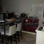 La cocina vista desde la entrada...promete hasta que te metes