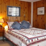Photo de Pleasant Lake House Bed and Breakfast