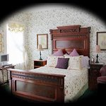 The Shaw House Bed and Breakfast Photo