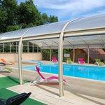 piscine couverte et chauffée - toit anti-uv