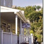 Cottage House Inn Photo