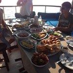 Petit déjeuner sur le bateau !