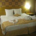 Le lit décoré pr la St. Valentin.