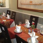 Gold Leaf, Dinner table setting