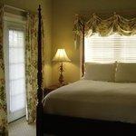 Guest Room 25
