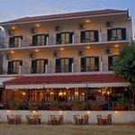 Foto de Hotel Taverna Romvi