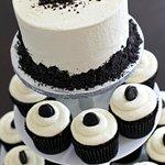 Tuxedo Cupcakes with Tuxedo Top Tier