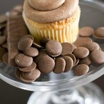 Gold Rush Cupcake: Golden Yellow with Chocolate Buttercream