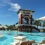 Pool swim up bar is convenient