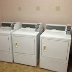 Use dryer on the far RIGHT & will still take 3-cycles to dry!  Doors don't clo