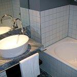 Waschbecken, Duche und Badewanne