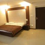 Super Deluxe Double Room (Average Room Size 250 Sqft)