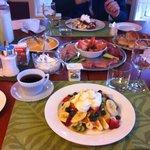 guests breakfast