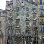 Casa Batilo Gaudi 5 minute walk from hotel