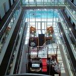 Eingangshalle, vom Glasaufzug aus fotografiert