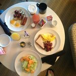 In room dining - breakfeast