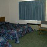 Caravan Motel Picture