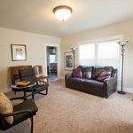 Living Room wiht leather sleeper sofa