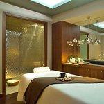 Pacific Light Hotel Photo