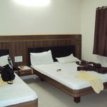 room(triple bed)